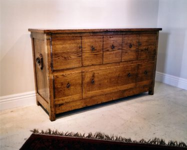 tuscan_chest_oil_finish